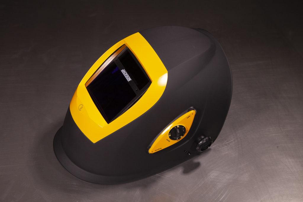 Kevyt Jackson automaattihitsausmaski on varustettu laadukkaalla optiikalla joka vähentää hitsaajan silmien rasittumista.